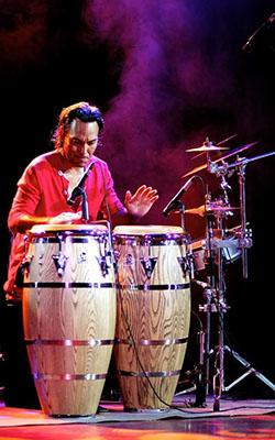 """Percusión: Ernesto """"El Chino"""""""