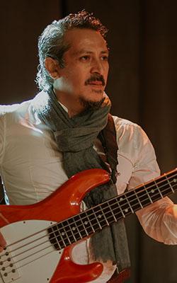 Bajo: Fabian Vera